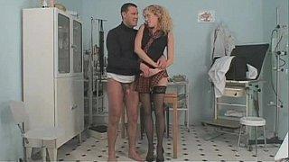 Long legged curly babe seducing doctor