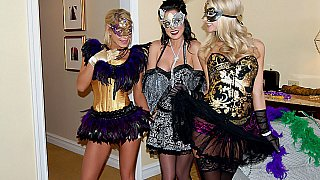 Masquerade in lesbian style