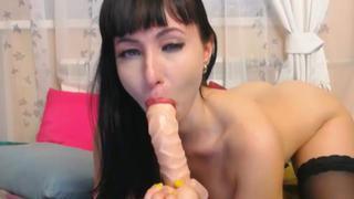 HANNAH: Hot russian chick dildo