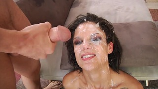 Bonnie Rotten gets roughly blowbanged