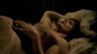 Caitriona Balfe in Outlander S01E07