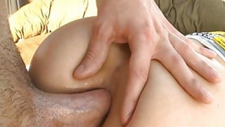 Gorgeous honey gets deep rimming from stud